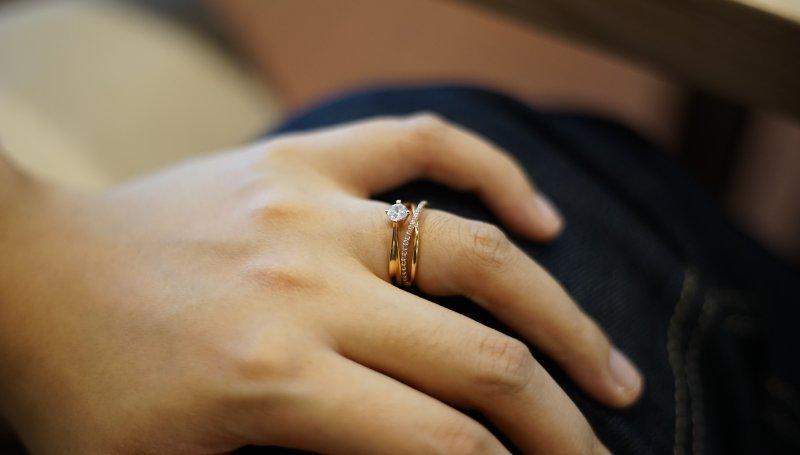 61923e1c0448f9 Say YES czyli: jak wybrać pierścionek zaręczynowy - duży? z diamentem,  szafirem?.. Podpowiadamy- pierscionkizareczynowe.edu.pl